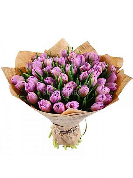 Букет 51 фиолетовый тюльпан  / доставка цветов бесплатно по Москве (в пределах МКАД).