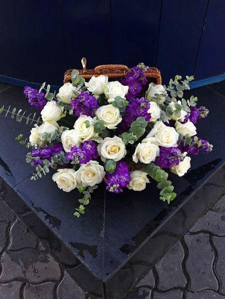 Композиция цветов в шкатулке
