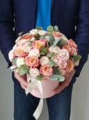 Робкая надежда - розы в коробке
