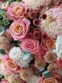 Шикарный букет с хризантемами