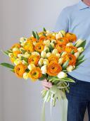 Букет с тюльпанами и ранункулюсами - большой