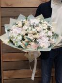Шикарный букет с пионовидной розой