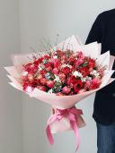 Шикарнейший букет с анемонами и пионовидными тюльпанами