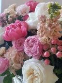 Огромная корзина цветов
